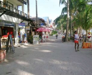 Hotels, restaurants and bars at Boracay